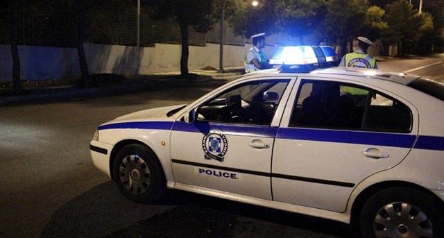 Εστησαν ενέδρα σε περιπολικό: «Βροχή» από πέτρες σε αστυνομικούς