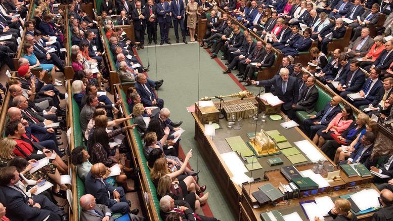 Πρώτο «ναι» της Βουλής στο νόμο για την αναβολή του Brexit