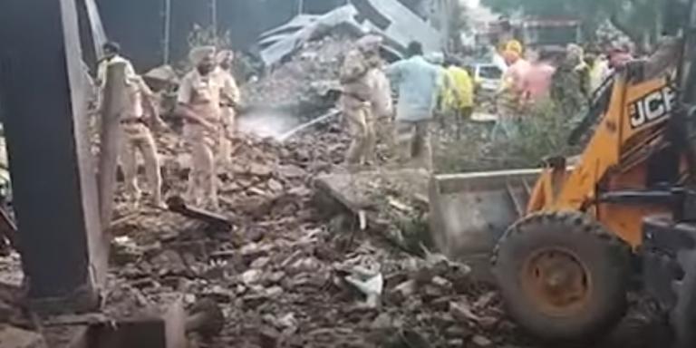 Ινδία: Τουλάχιστον 18 νεκροί από έκρηξη σε βιοτεχνία βεγγαλικών