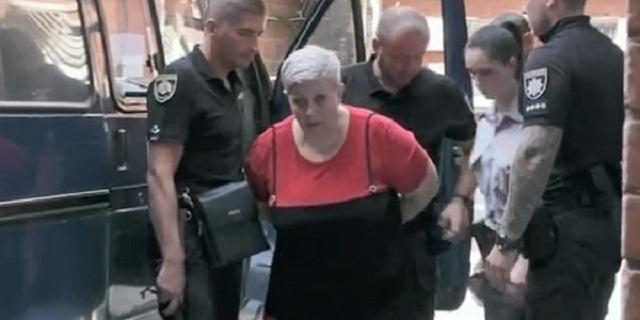 Διευθύντρια Δημοτικού είχε αλυσοδεμένο και φιμωμένο το 8χρονο παιδί της