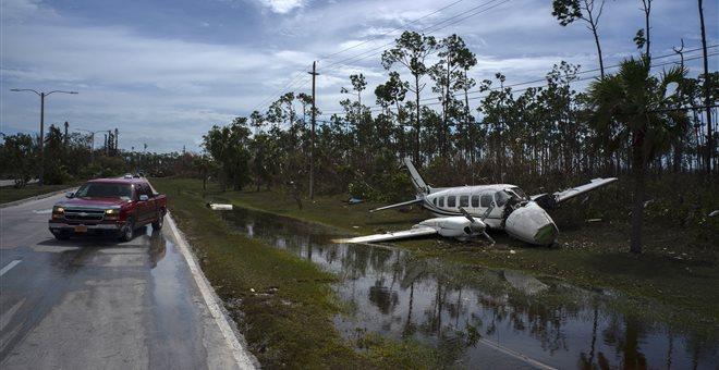 Μπαχάμες: Φόβοι για χιλιάδες νεκρούς από τον Ντόριαν. Ταριχεύουν πτώματα