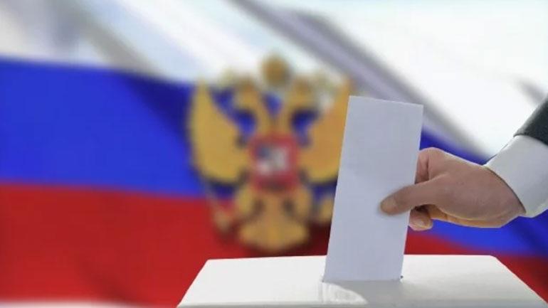 Στις κάλπες προσέρχονται οι Ρώσοι για να εκλέξουν τοπικούς αξιωματούχους