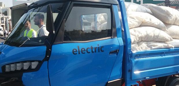 Παρουσιάστηκε στη ΔΕΘ το πρώτο ηλεκτρικό αυτοκίνητο επαγγελματικής χρήσης