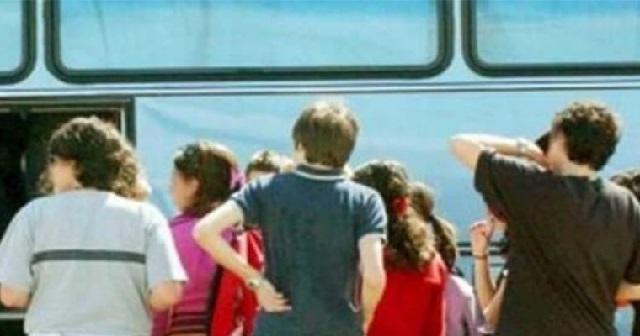 Με μισθωμένα λεωφορεία και ταξί η μεταφορά μαθητών