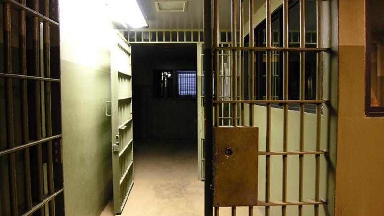 Ληστείες «αλέ ρετούρ» για 39χρονο κρατούμενο σε φυλακές
