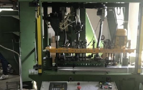 Έκανε την αποθήκη εργαστήριο γόμωσης κυνηγετικών φυσιγγίων [εικόνες]