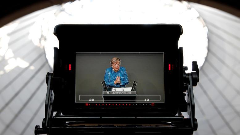 Ανησυχία Μέρκελ για τις μεγάλες παγκόσμιες εξελίξεις