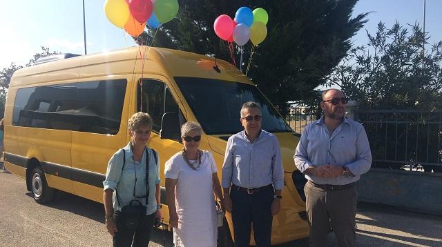 Γιορτινό το λεωφορείο στο προαύλιο, ζητείται… οδηγός