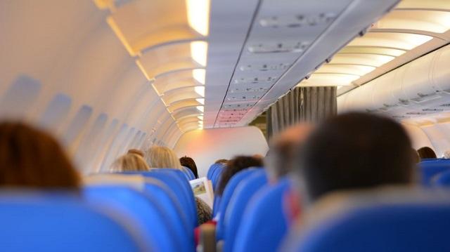 Βουλευτής από την Κένυα ζήτησε να απαγορευτεί δια νόμου ο «αερισμός» στα αεροπλάνα