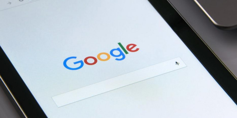 Τι ψάχνουν οι Έλληνες στο Google: Πώς εξαφανίζω τους τυφλοπόντικες, πώς καψουρεύω έναν Υδροχόο
