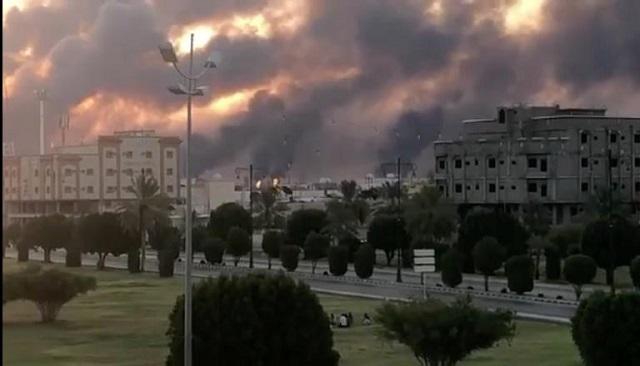 Κόλαση πυρός στη Σ. Αραβία: Φλέγονται εγκαταστάσεις της Aramco [εικόνες]