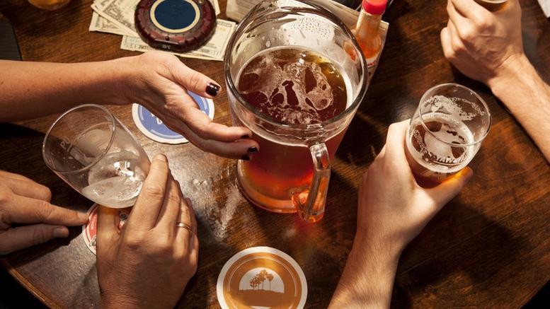 Σε ημικωματώδη κατάσταση 17χρονη από κατανάλωση αλκοόλ