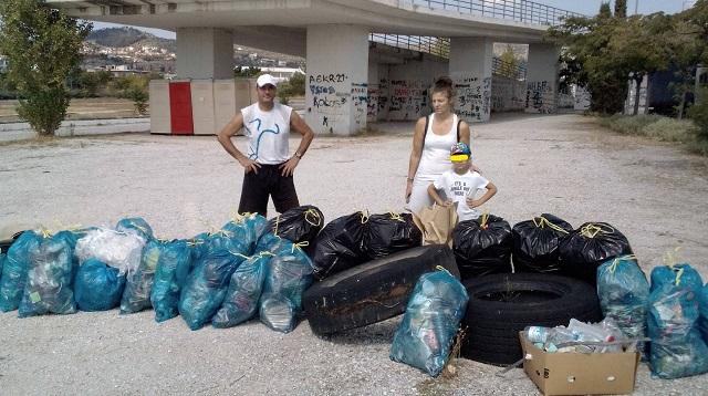 Μάζεψαν 103 σακούλες με απορρίμματα από το πάρκο Ν. Ιωνίας