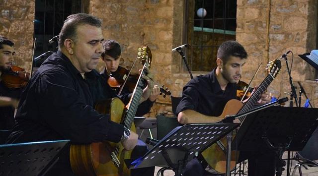 Ο Βολιώτης κιθαριστής Ντίνος Γκρίνιας στο Φεστιβάλ Μπλόκου Κοκκινιάς