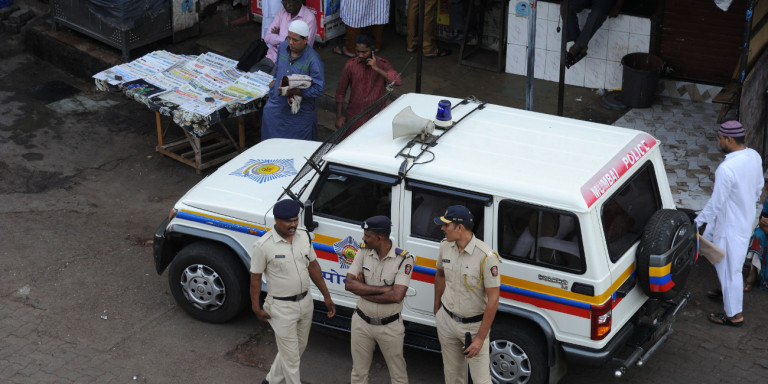 Ινδία: Καταδικάστηκαν έξι άτομα που βίασαν ομαδικά και στραγγάλισαν 8χρονο κοριτσάκι
