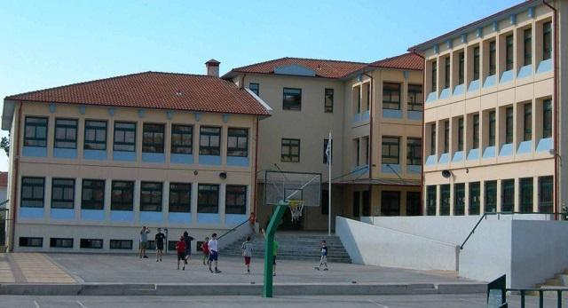 Ναρκωτικά στα σχολεία: Ανήλικος dealer αποκαλύπτει ότι έβγαλε 1.000€ σε μία μέρα