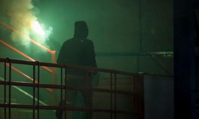 Οπαδός της ΑΕΚ «βούτηξε» στο κενό μετά από καρτέρι - Νοσηλεύεται σε σοβαρή κατάσταση