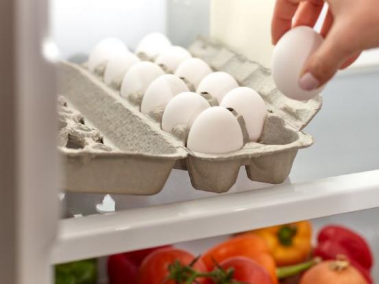 Βάζεις τα αυγά στην πόρτα του ψυγείου; - Σταμάτα αμέσως