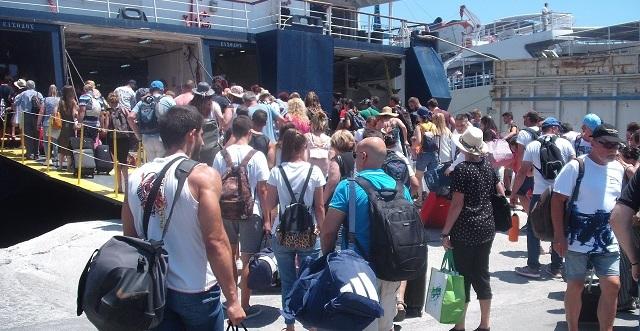 Αύξηση παρουσίασε η κίνηση επιβατών στο λιμάνι του Βόλου