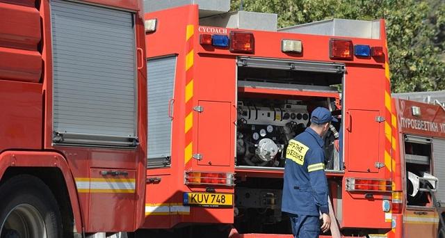 Φωτιά σε φορτηγό στον Αλμυρό