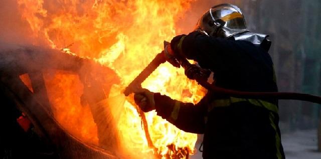 Ζημιές σε αυτοκίνητο στο Διμήνι από φωτιά