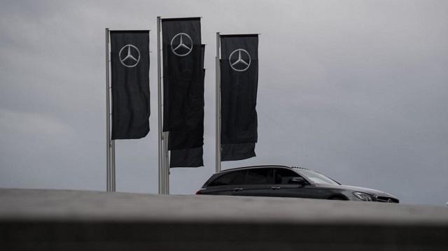 Πρόστιμο €870 εκατ. στη Daimler για παραβίαση κανονισμών σχετικά με τους ρύπουw