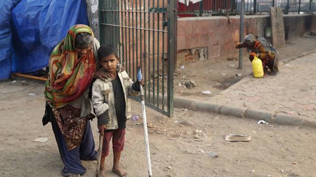 Ινδία: Ξυλοκόπησαν μέχρι θανάτου δύο παιδιά γιατί αφόδευσαν στο ύπαιθρο
