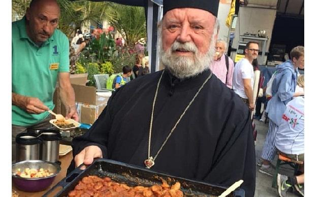 Βολιώτης ιερέας ενώνει τους λαούς