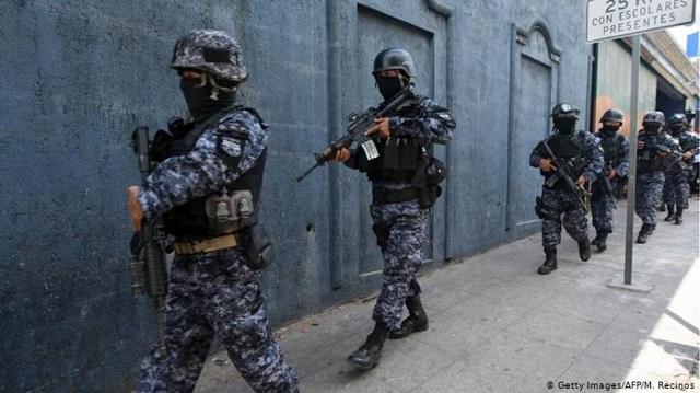 Ελ Σαλβαδόρ: Αστυνομικοί εκτελούσαν συμβόλαια θανάτου