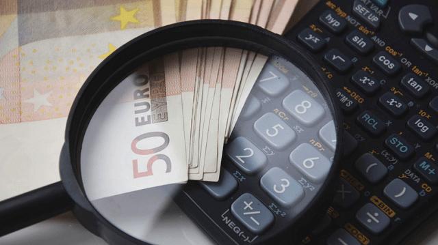 Νέα «πάγια» ρύθμιση για την αποδέσμευση λογαριασμών