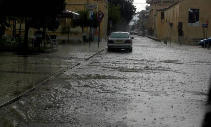 Πνίγεται η Ελλάδα: Ξαφνική καταιγίδα σε διάφορες περιοχές