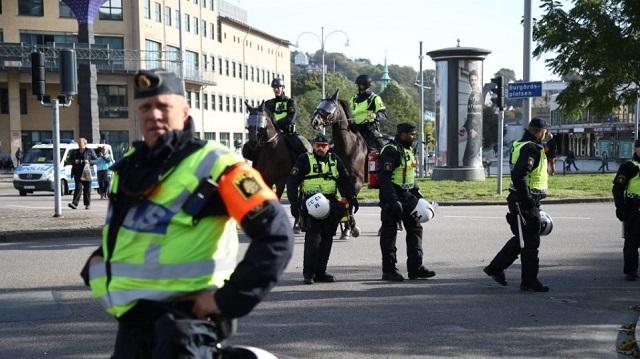 Κατακραυγή στη Σουηδία για την αθώωση αστυνομικών που σκότωσαν νεαρό με σύνδρομο Down