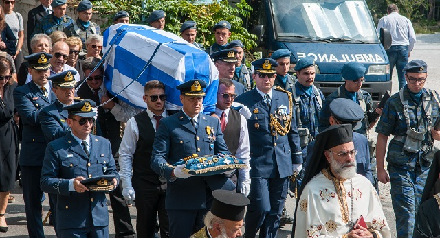 Στην Τσαγκαράδα κηδεύτηκε ο επίτιμος Αρχηγός ΑΤΑ