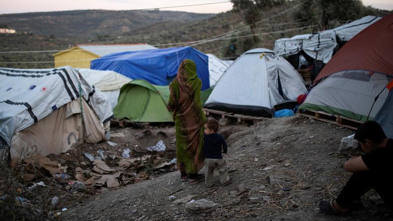 11 ανενεργά στρατόπεδα υποψήφια για προαναχωρησιακά κέντρα
