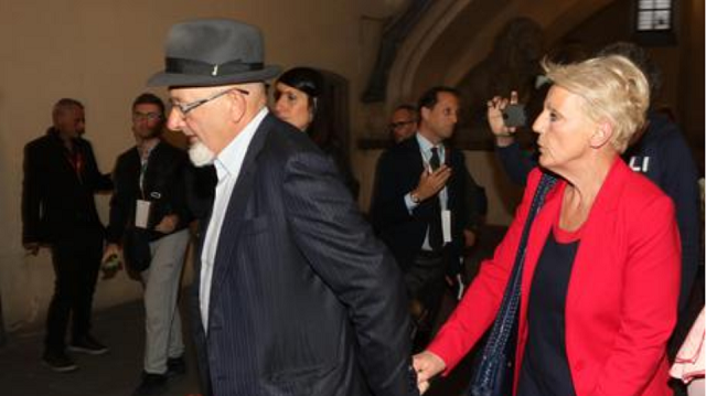 Ιταλία: Καταδικάστηκαν οι γονείς του Ρέντσι για πλαστά τιμολόγια