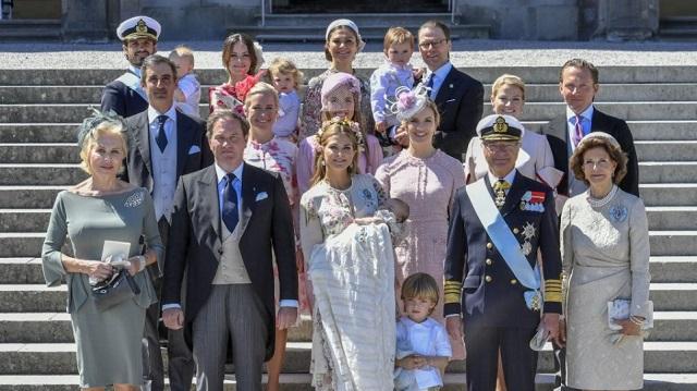 Δύσκολοι καιροί για... πρίγκιπες: Ο βασιλιάς της Σουηδίας αφαίρεσε τον τίτλο από εγγόνια του