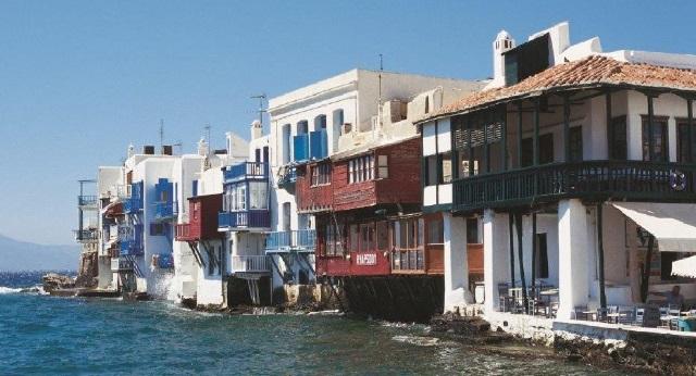Google: Τι ψάχνουν οι τουρίστες για τις διακοπές τους στην Ελλάδα