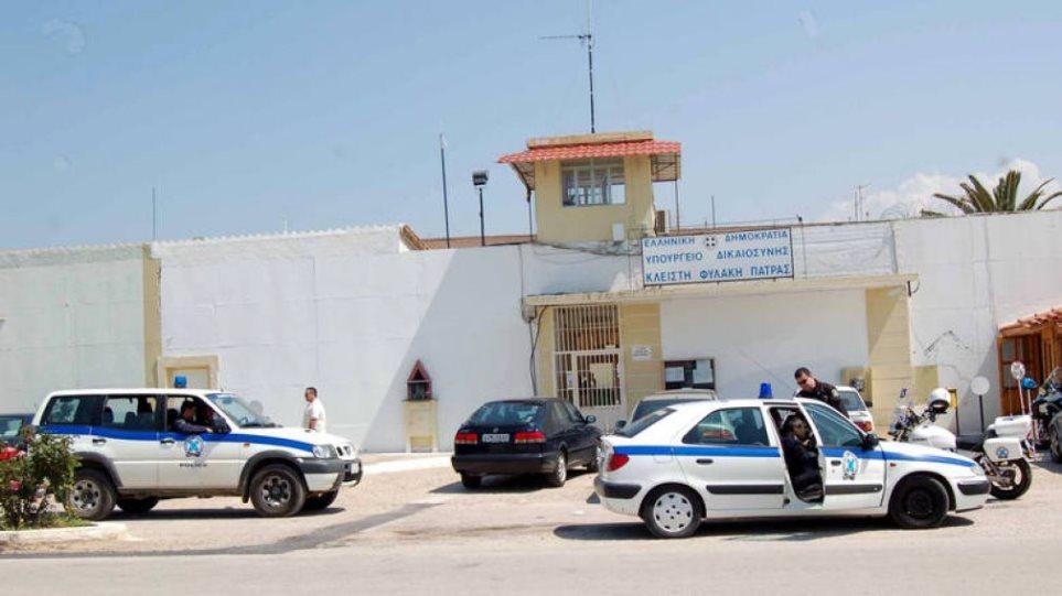 Έφοδος της ΕΛΑΣ στις φυλακές Αγίου Στεφάνου