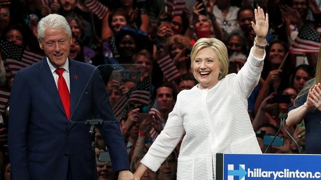 Διασταύρωσαν τα ξίφη τους στο twitter Ντόναλντ Τραμπ και Χίλαρι Κλίντον