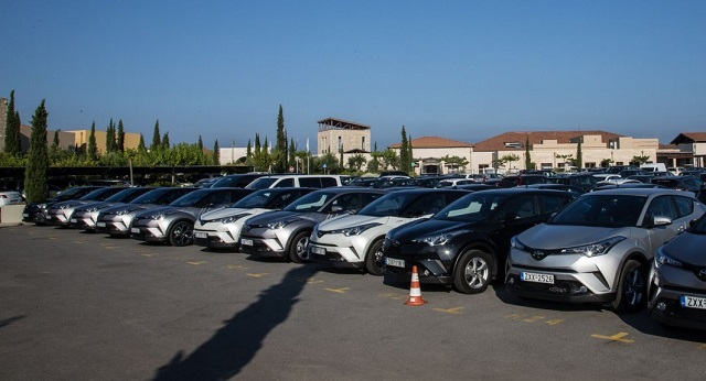 Αλλάζουν όλα στις πωλήσεις αυτοκινήτων: Ποιοι κερδίζουν και ποιοι χάνουν