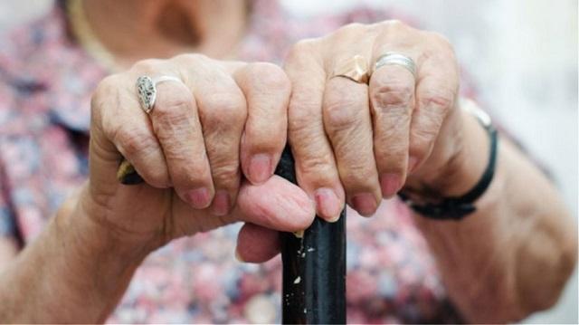 82χρονη έζησε στιγμές τρόμου στα χέρια τριών ληστών