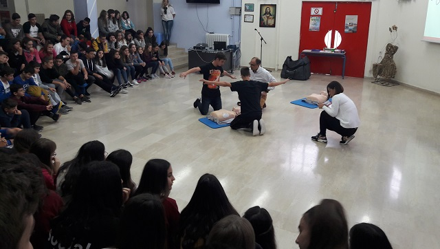 Οι μαθητές του Γυμνασίου Ευξεινούπολης εκπαιδεύονται για να σώζουν ζωές