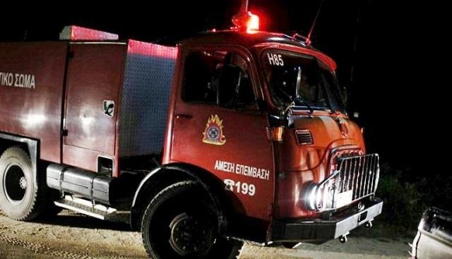 Φωτιά σε παροπλισμένο βαγόνι του ΟΣΕ στη Θεσσαλονίκη