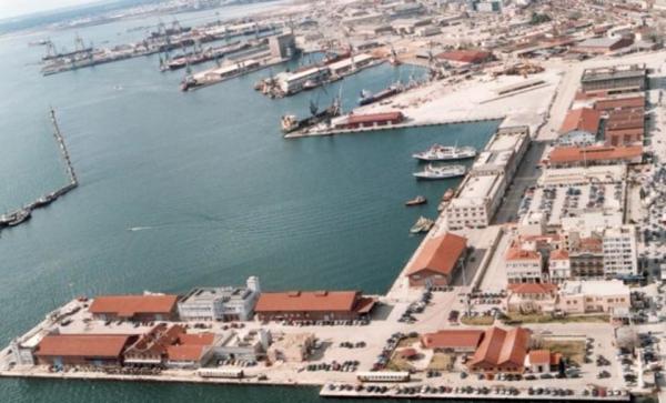Θεσσαλονίκη: Έκλεψαν 21χρονη και στη συνέχεια την έριξαν στη θάλασσα