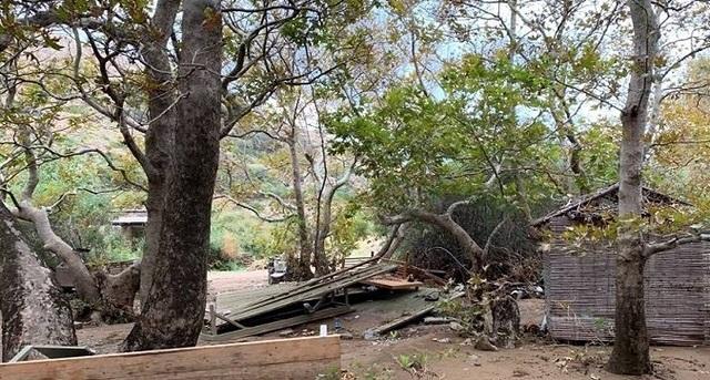 Μενεγάκη - Παντζόπουλος: Εικόνες καταστροφής στην ξενοδοχειακή μονάδα τους στην Άνδρο