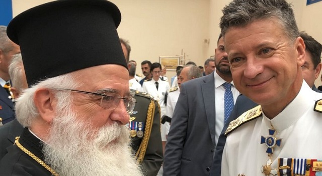 Στην τελετή παράδοσης-παραλαβής της ηγεσίας του Λιμενικού Σώματος ο Μητροπολίτης
