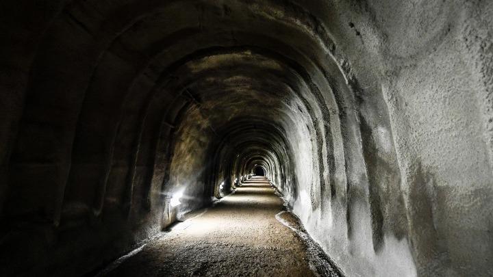 Πόλος έλξης τουριστών οι μυστικές, υπόγειες σήραγγες των Ναζί στο Μάριμπορ
