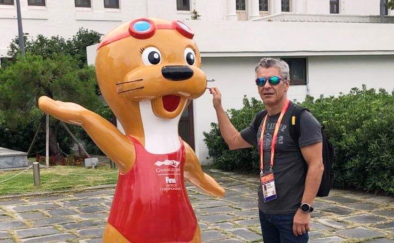 Αναστάσιος Κοτζιάς: Κολυμπά σαν παιδί στα 56 του και συνεχίζει να ονειρεύεται