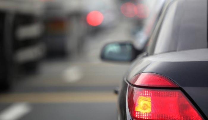 «Βαριά» τα τέλη κυκλοφορίας για τα παλιά αυτοκίνητα