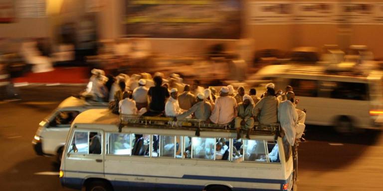 Σαουδική Αραβία: Τροχαίο δυστύχημα με 35 νεκρούς από ανατροπή λεωφορείου